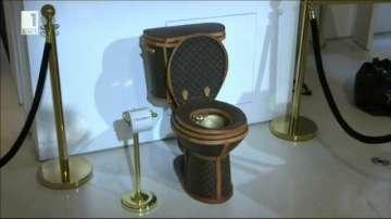 Продават златна тоалетна за 100 000 долара
