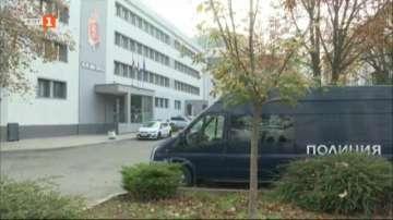 Арестант избяга, докато чистел района около пето РПУ в Бургас