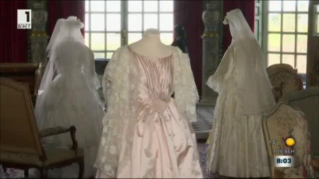 Вдъхновени от предстоящата кралска сватба във Великобритания, в Париж откриват