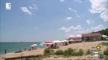 """Незаконно заведение на плаж """"Кабакум продължава да работи"""