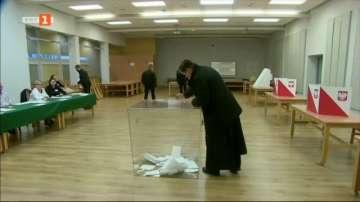 Започнаха парламентарните избори в Полша