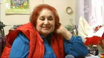 Арменка от Пловдив шие български народни носии