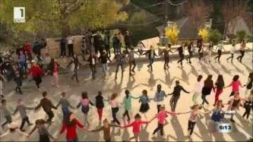 Народни танци и музика срещу стреса и агресията в училище