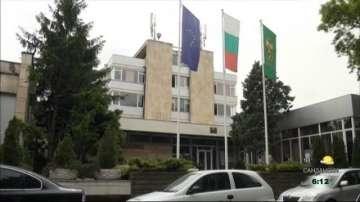 Приеха спасителен план за болницата в Карлово