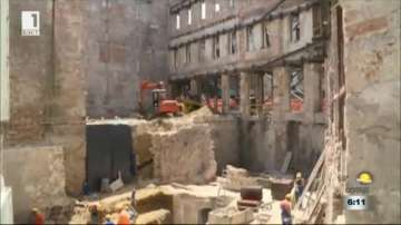 Спряха строителен обект в Русе заради необезопасени плочи и стълбища