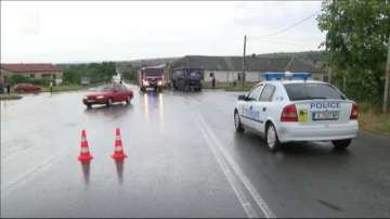 ТИР се вряза в дърводелски цех в димитровградското село Гoрски извор