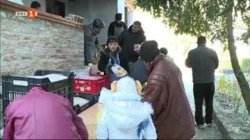 Дарение за социалната кухня към храм Св. Николай Чудотворец във Варна