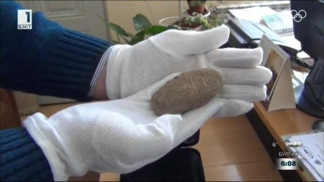 Археолози откриха плочка с най-старата писменост в света край Нова