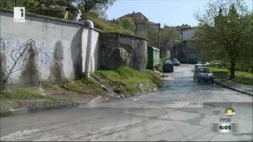 Минерална вода тече по улици в Благоевград