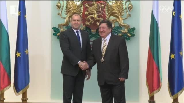 Президентът Румен Радев връчи висши държавни отличия на шестима утвърдени