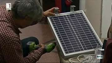 Монтират соларни панели във Варна за безплатно зареждане на мобилни устройства