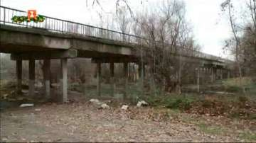 Транспортният мост в село Катуница е застрашен от срутване