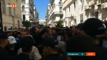 Докараха в съда арестуваните за корупция алжирски милиардери