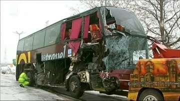 Автобус се блъсна в ТИР на магистрала Тракия, няма пострадали
