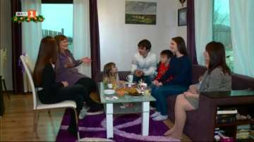 На Коледа в 7-членното семейство Йосифови
