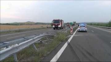 Цистерна с гориво се преобърна на АМ Марица