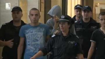 Постоянен арест за футболните фенове, нападнали две момчета в София