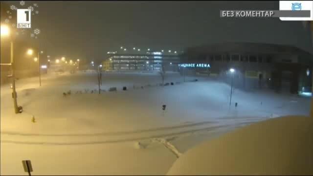 Снежна буря блокира щата Пенсилвания, а валежите продължиха повече от