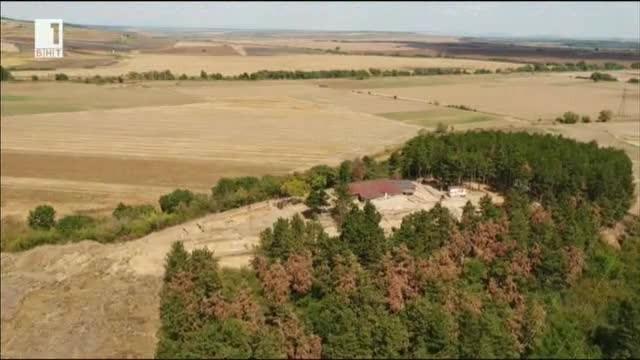 Какво крие повече от две хилядолетия една могила край Тополовград