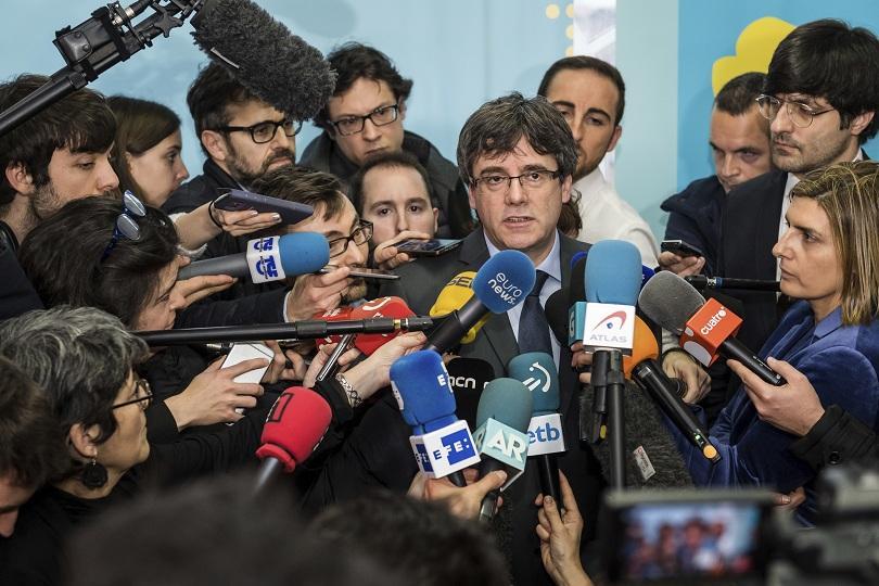 карлес пучдемон премиер върне испания