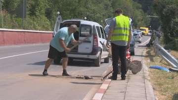 Има недопустими пропуски в ремонтирания път край Своге, изпълнителят отрече вина