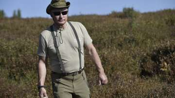 Лятото на президентите: Путин в Сибир, Мелания Тръмп посади дърво (СНИМКИ/ВИДЕО)