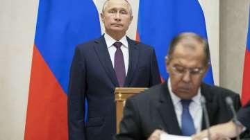 Москва очаква разяснения за намерението на САЩ да се оттеглят от ядрения договор