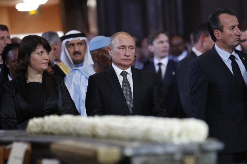 снимка 2 Световни лидери се поклониха пред Жак Ширак