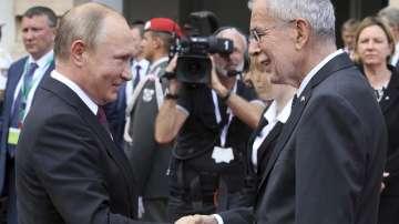 Путин във Виена: Русия е преодоляла всички трудности, свързани със санкциите