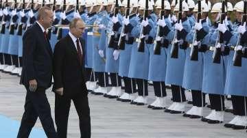 Втори ден от посещението на Владимир Путин в Турция