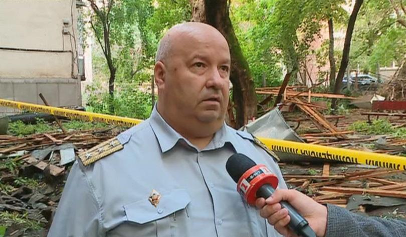 Жилищната сграда в Пловдив, чийто покрив беше отнесен от силния