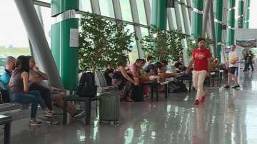 """Пътници бяха блокирани на летище """"Пловдив, след като мълния удари самолета им"""