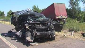 Серия от катастрофи на магистрала Тракия - мъж загина, друг е ранен