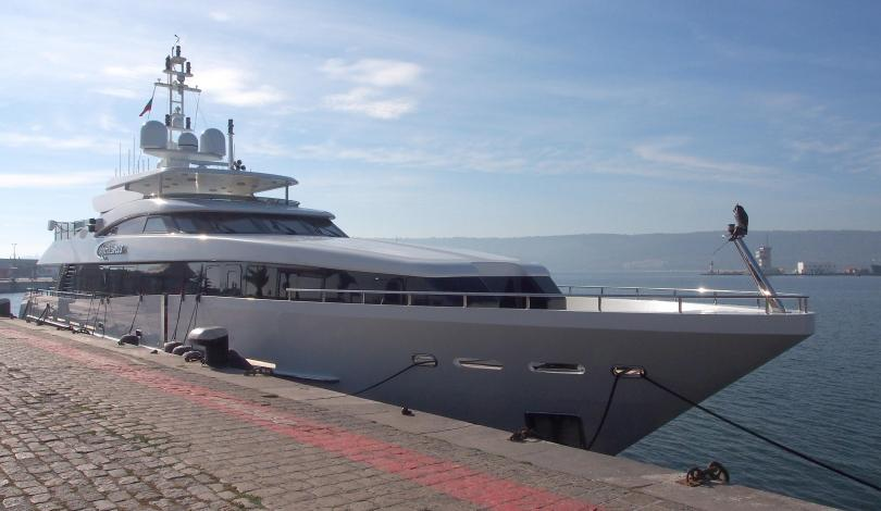 богаташите вече купуват яхти