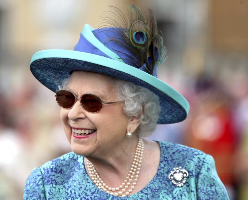 снимка 2 65 години от коронацията на британската кралица Елизабет Втора