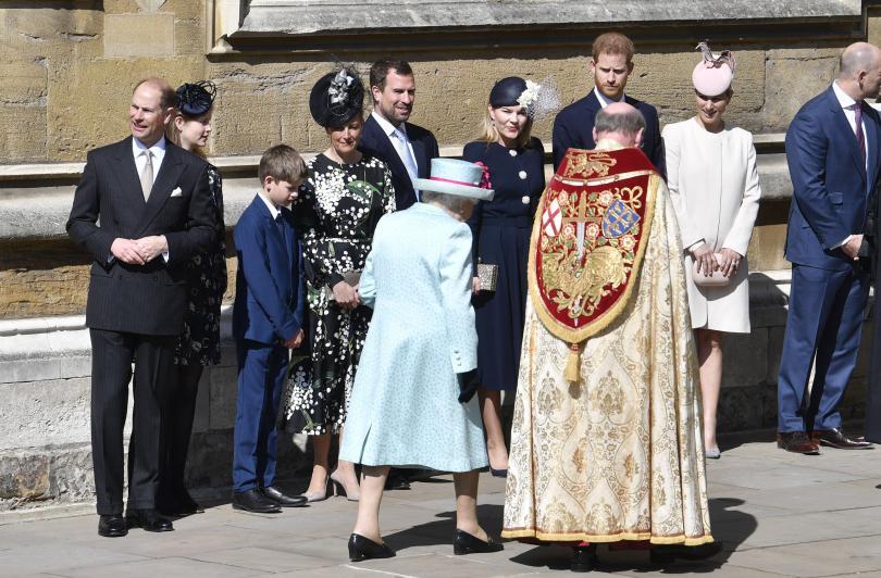 снимка 8 Британската кралица Елизабет Втора празнува 93-ия си рожден ден (СНИМКИ)