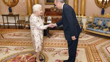 Турският президент Ердоган се срещна с кралица Елизабет II и с Тереза Мей