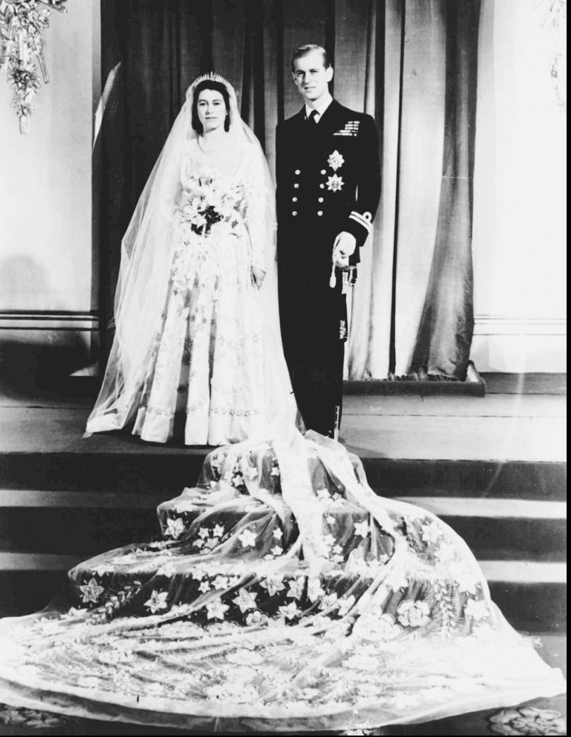 снимка 3 Кралица Елизабет и принц Филип празнуват 70 г. брак