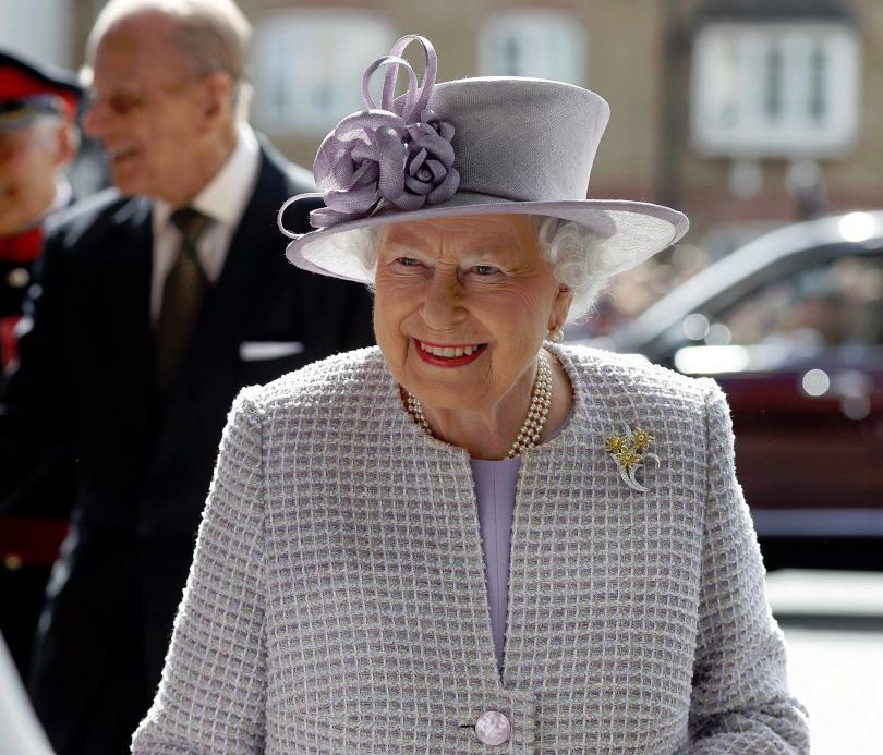 официално кралица елизабет одобри подписа закона брекзит