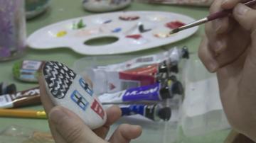 Работилница за сувенири дарява средства на кухнята за бедни в Благоевград