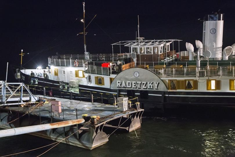 """Късно вечерта на 30 януари кораб-музей """"Параход Радецки"""" се завърна"""