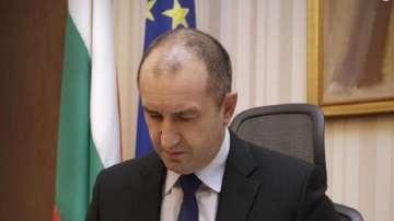 Румен Радев назначи съветници в екипа си 