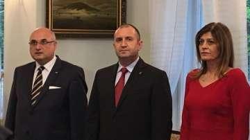 Президентът Радев се срещна с българската общност в Полша