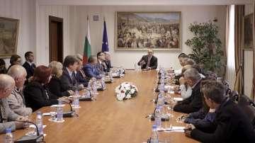 Президентът Радев се срещна с кметове на малки населени места