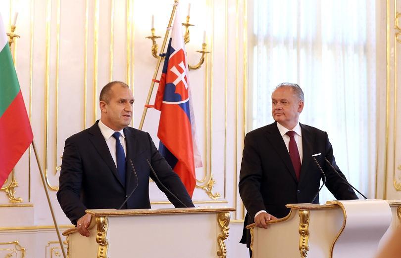 След среща със словашкия си колега Андрей Киска, Радев заяви,
