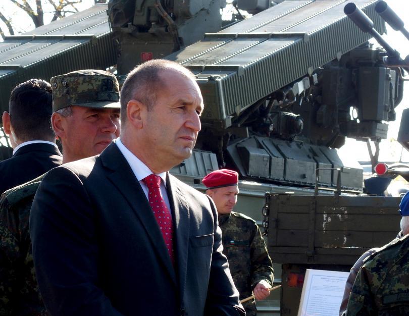 Президентът Румен Радев заяви, че оставките не са решение, а