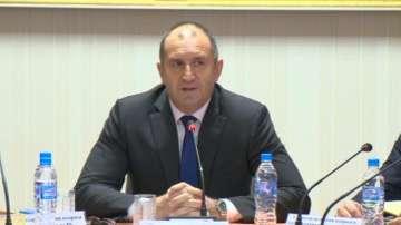 Президентът Радев предлага видеонаблюдение при броенето на бюлетините