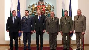 Президентът удостои български военнослужещи с висши офицерски звания