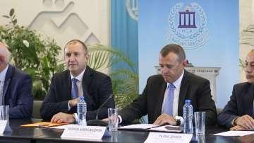 """Президентът Радев откри кръгла маса на тема """"Спортът, децата и бъдещето"""""""