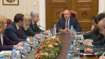Президентът обсъди с министри водния режим в Перник